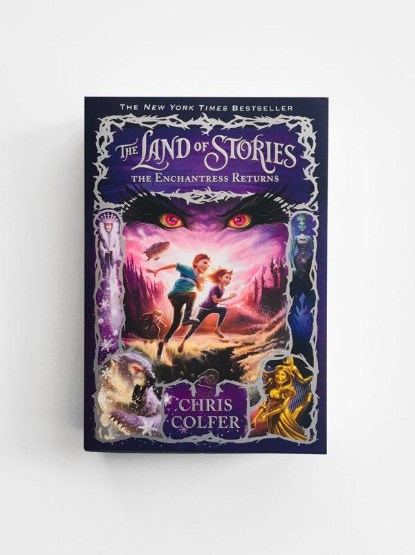 LAND OF STORIES: THE ENCHANTRESS RETURNS (#2)